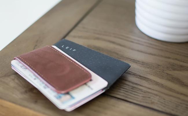 LEIF - Chiếc thẻ nhỏ gọn biến ví thường thành ví thông minh
